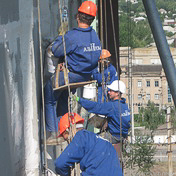 Performance of joint sealing by industrial climbers